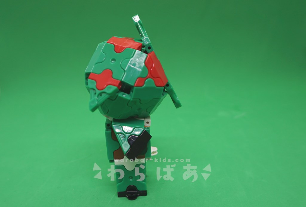 LaQで仮面ライダーアマゾンの作り方03