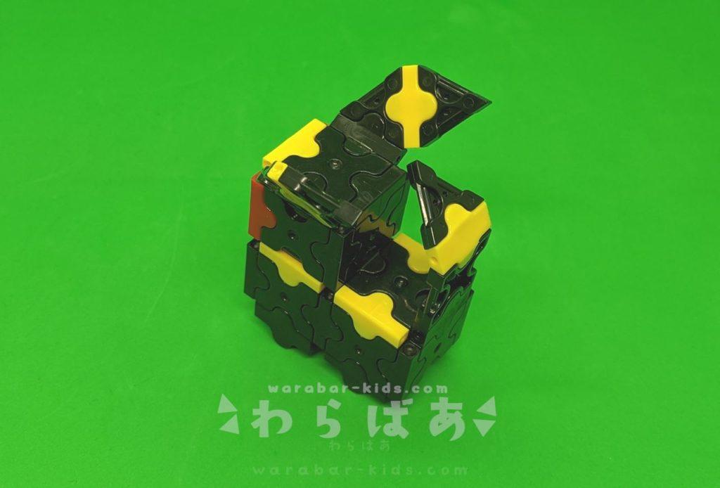 LaQ(ラキュー)でブラッキーの作り方05